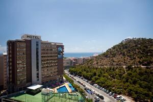 """Foto del exterior de """"Hotel Maya Alicante"""""""