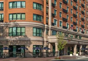 """Exterior – """"Hotel Courtyard Capitol Hill/Navy Yard"""""""