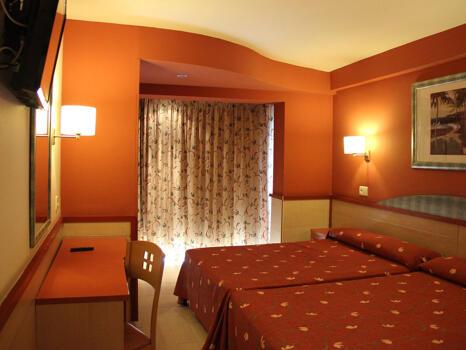 Foto de una habitación de Hotel H TOP Calella Palace