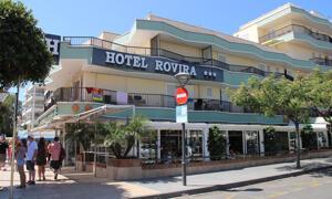 """Foto del exterior de """"Hotel Rovira"""""""