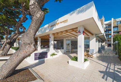 Foto del exterior de Hotel FERGUS Style Palmanova