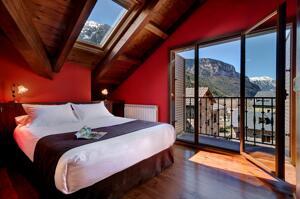 """Foto do exterior - """"Apartamentos Villa de Plan"""""""