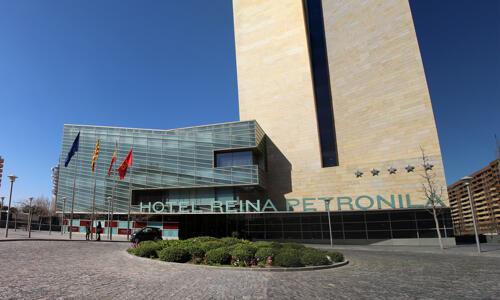 Foto del exterior de Hotel Reina Petronila
