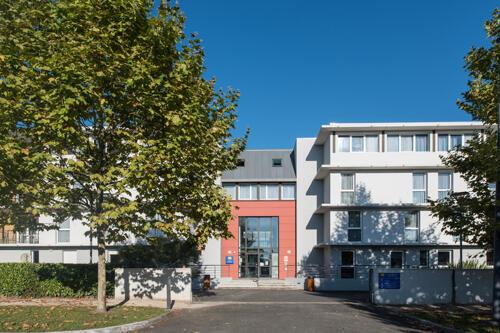 Aparthotel Comfort Suites Pau Idron, Idron ...