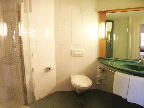 Foto del baño de Ibis Madrid Calle Alcala (ex Valentin Beato)