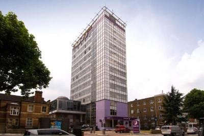 Foto del exterior de Premier Inn London Hammersmith
