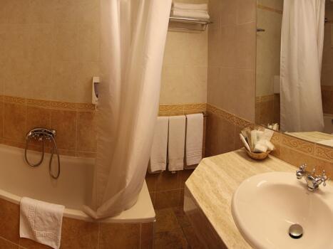 Foto del baño de Hotel Bellpí