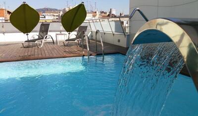 Foto de los servicios de Apartamentos Ako Suites