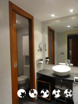 Foto del baño de Hotel Font D'Argent Canillo