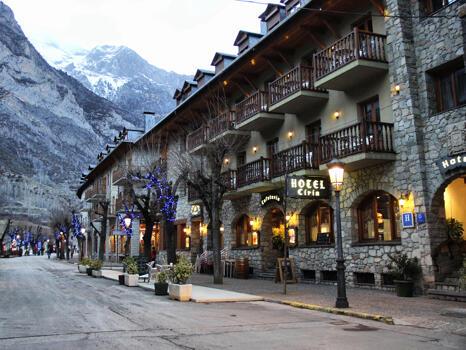 Foto del exterior de Hotel Ciria