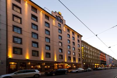 Foto degli esterni Hotel King's First Class