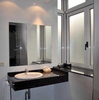 Foto del bagno Hotel Crunia