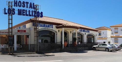Foto del exterior de Hostal Los Mellizos