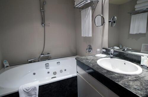 Foto del baño de A Casa Canut Hotel Gastronòmic