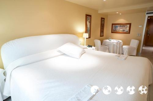 Foto de una habitación de A Casa Canut Hotel Gastronòmic
