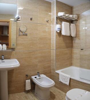 Foto del baño de Hotel Apartamentos Loto Conil