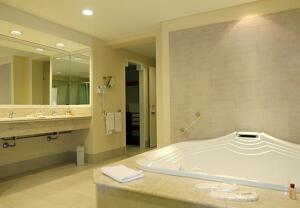 "Bathroom – ""Hotel Lucania Palazzo"""