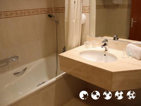 Foto del bagno Hotel Montemar Maritim