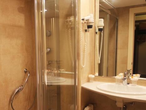 Foto del baño de Golden Port Salou & Spa