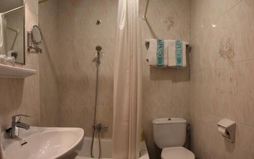 Foto del baño de Hotel Castilla
