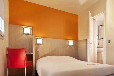 hot is em rivesaltes pirineus orientais o seu hotel em. Black Bedroom Furniture Sets. Home Design Ideas