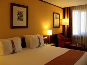 "Quarto - ""Holiday Inn Lisbon-Continental"""