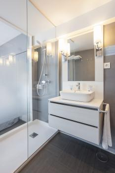 Bathroom – Hotel El Puerto by Pierre Vacances