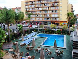 "Foto del exterior de ""Hotel HTOP Palm Beach & Spa"""