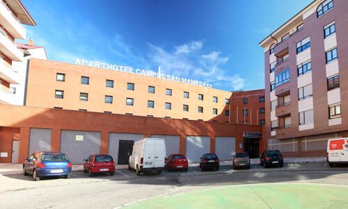 Foto del exterior de Aparthotel Exe Campus San Mames
