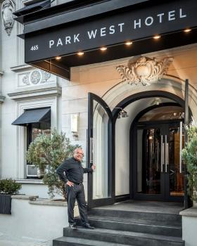 Exterior – Park West Hotel
