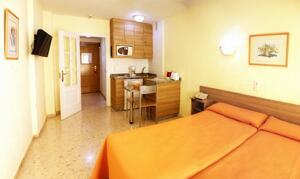 """Foto de una habitación de """"Apartamentos Stella Maris"""""""