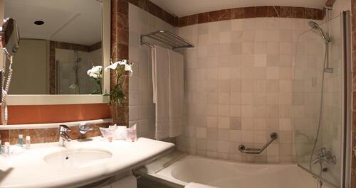 Foto del baño de Hipotels Flamenco Conil
