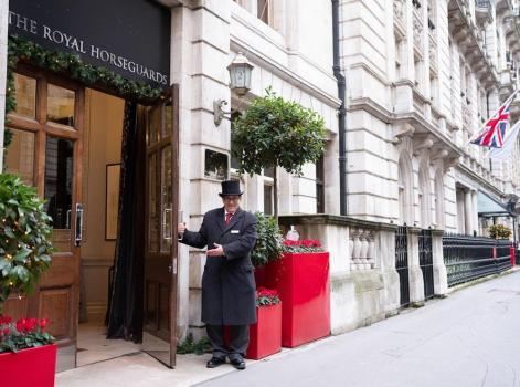 Foto del exterior de Thistle Hotel Royal Horseguards