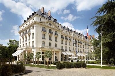 Foto del exterior de Waldorf Astoria Versailles - Trianon Palace