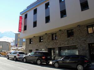 """Foto do exterior - """"Hotel Guineu"""""""