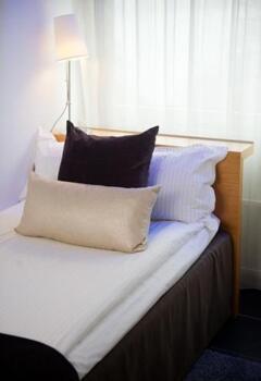 Photo – Blue Hotel