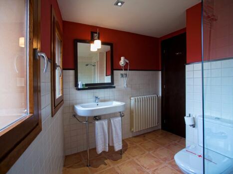 Foto del baño de Hotel Monasterio Benedictino