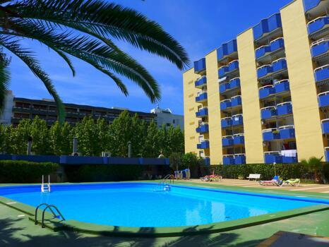 Foto del exterior de Apartamentos Alboran