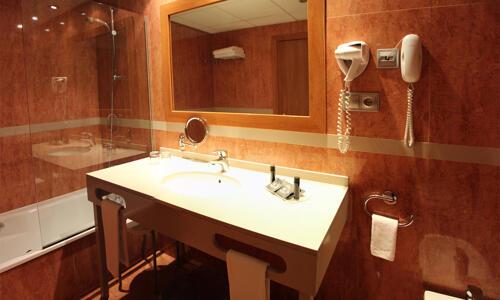 Foto del baño de Acta Arthotel