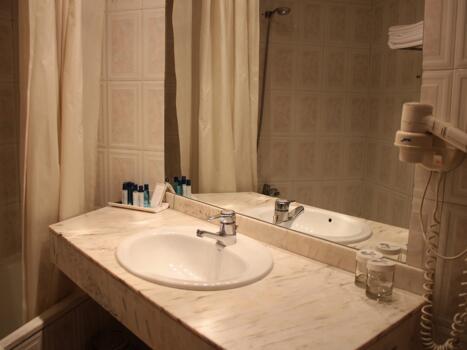 Foto del baño de Hotel President
