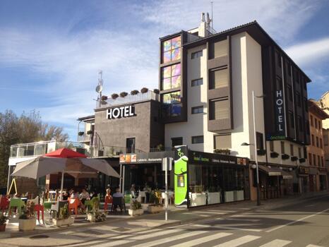 "Foto del exterior de ""Hotel Sánchez"""