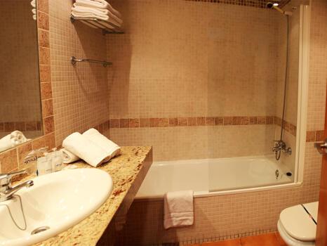 Foto del baño de Ohtels Vil·la Romana