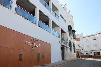Foto del exterior de Hotel y Apartamentos Conilsol
