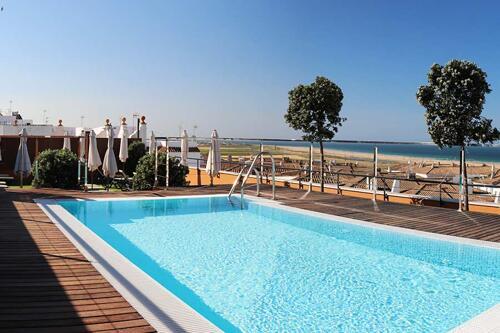 Foto de los servicios de Hotel y Apartamentos Conilsol