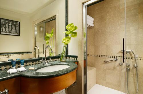 Badezimmer - Four Points by Sheraton Siena