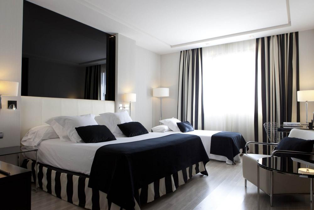 Hotel maydrit madrid for Hotel habitacion cuadruple madrid