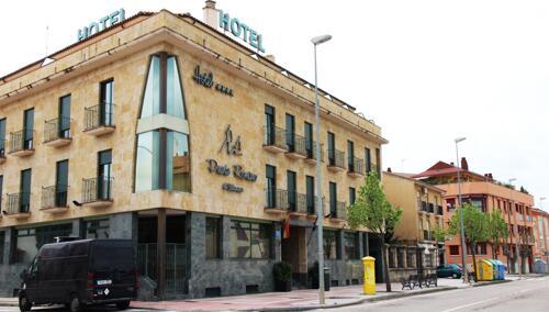 Foto del exterior de Hotel Puente Romano de Salamanca