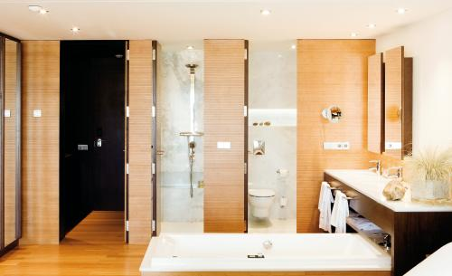 Bathroom – Gran Hotel Ibiza