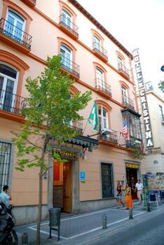 Außenansicht - Hotel Reina Cristina