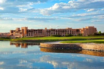 Foto degli esterni Hilton Santa Fe Golf Resort & Spa at Buffalo Thunder